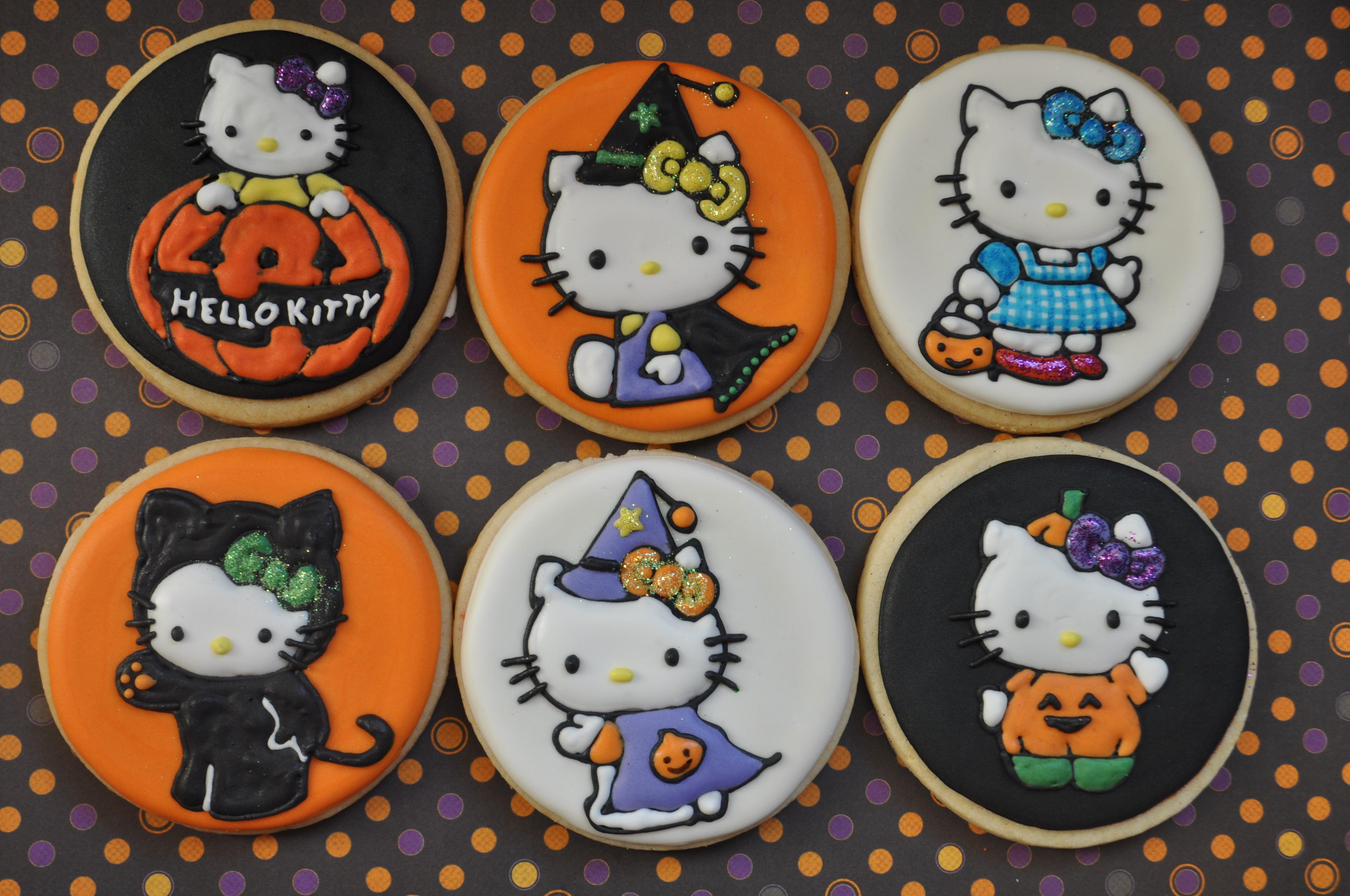 Hello Kitty Halloween Cookies | Suz Daily