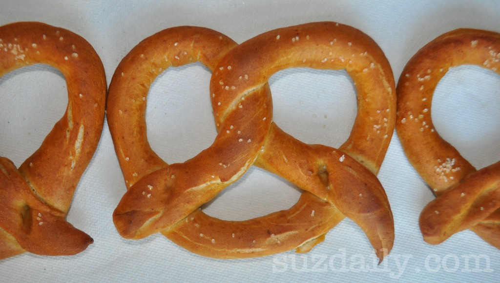 How to Make Homemade Pretzels | Suz Daily