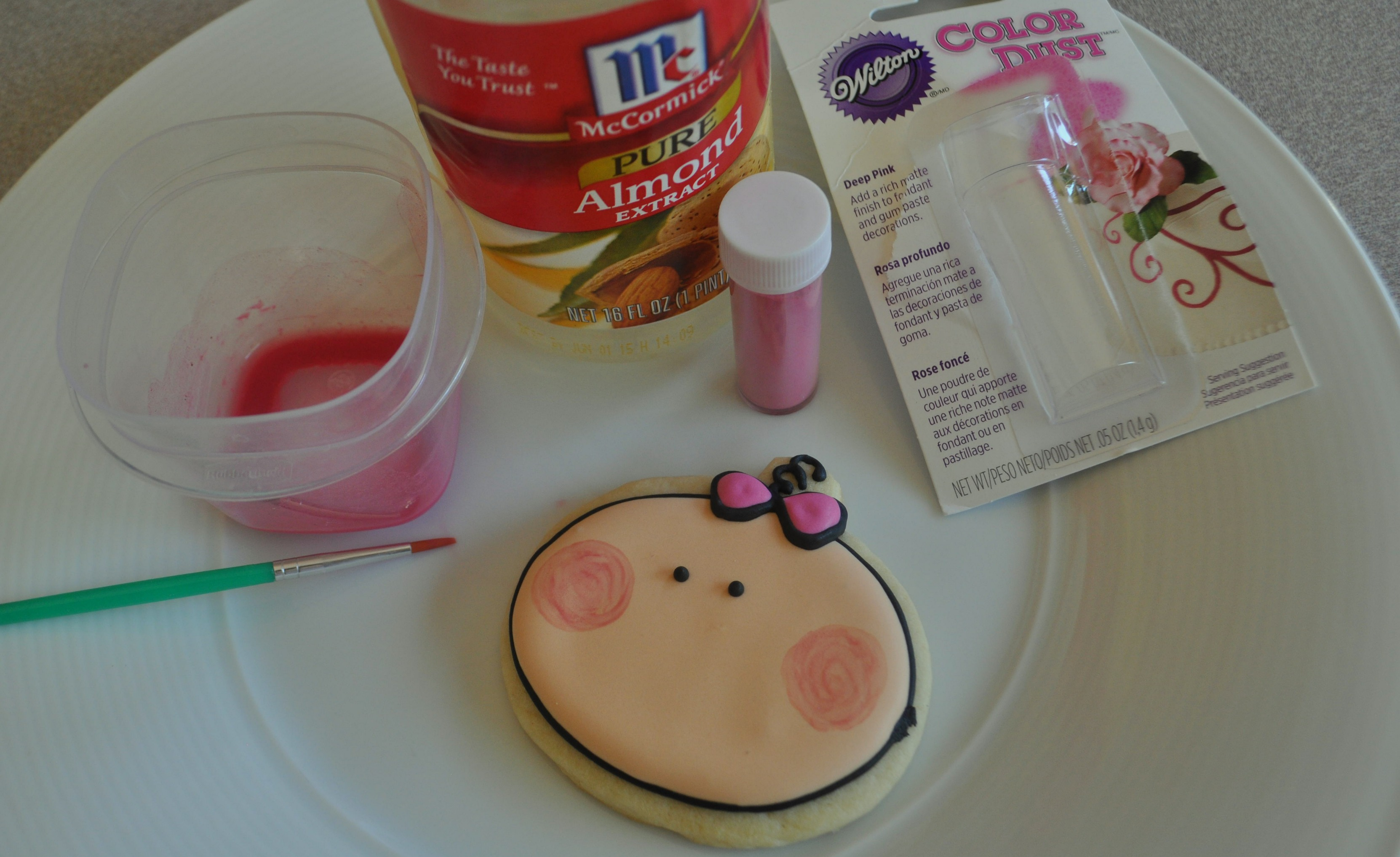 How to make a Cute Baby Girl Cookie – Great Cookie Favor for a