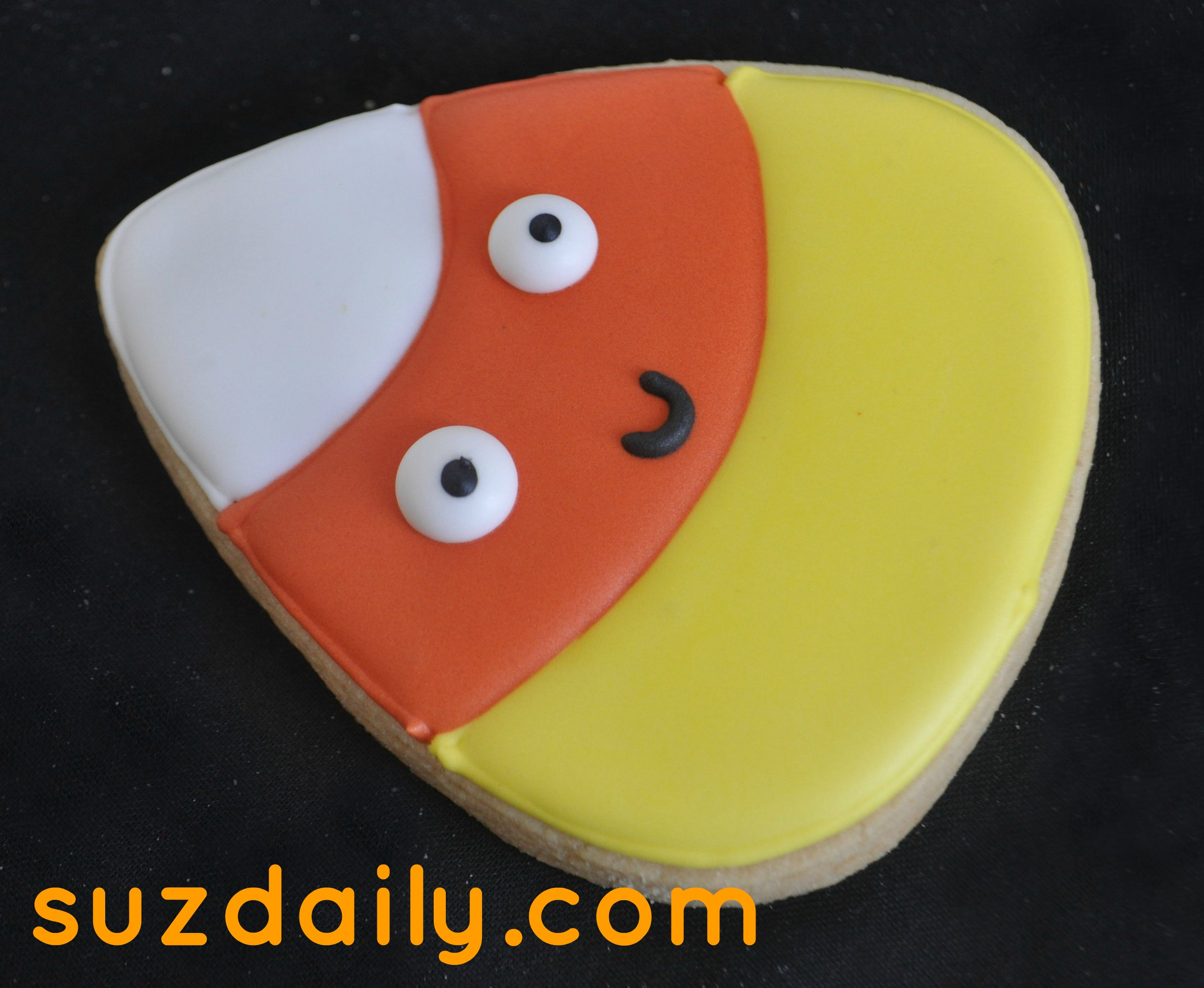 Cute Candy Corn Cookie for Halloween