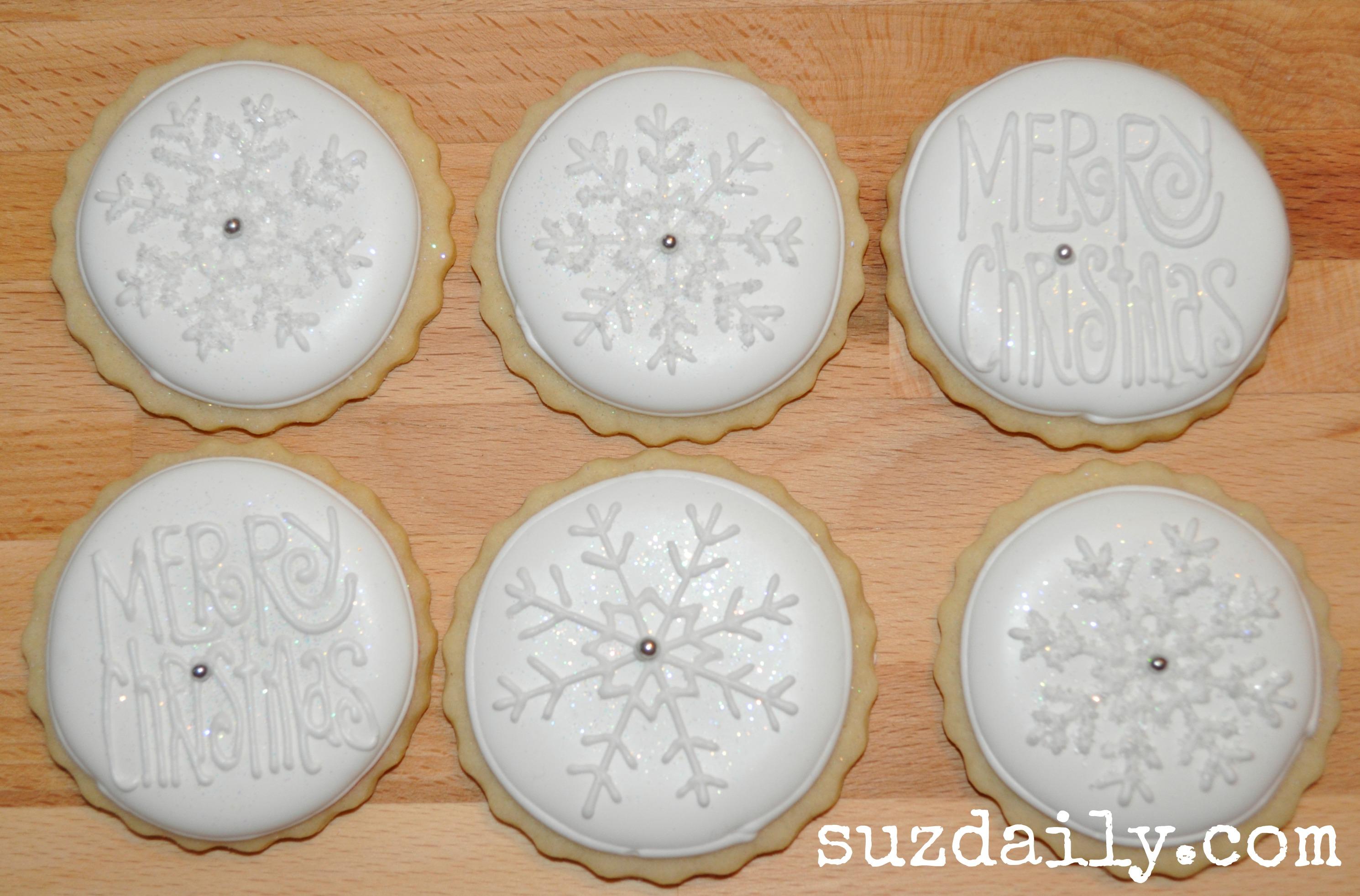 White on White Christmas Cookies – Suz Daily