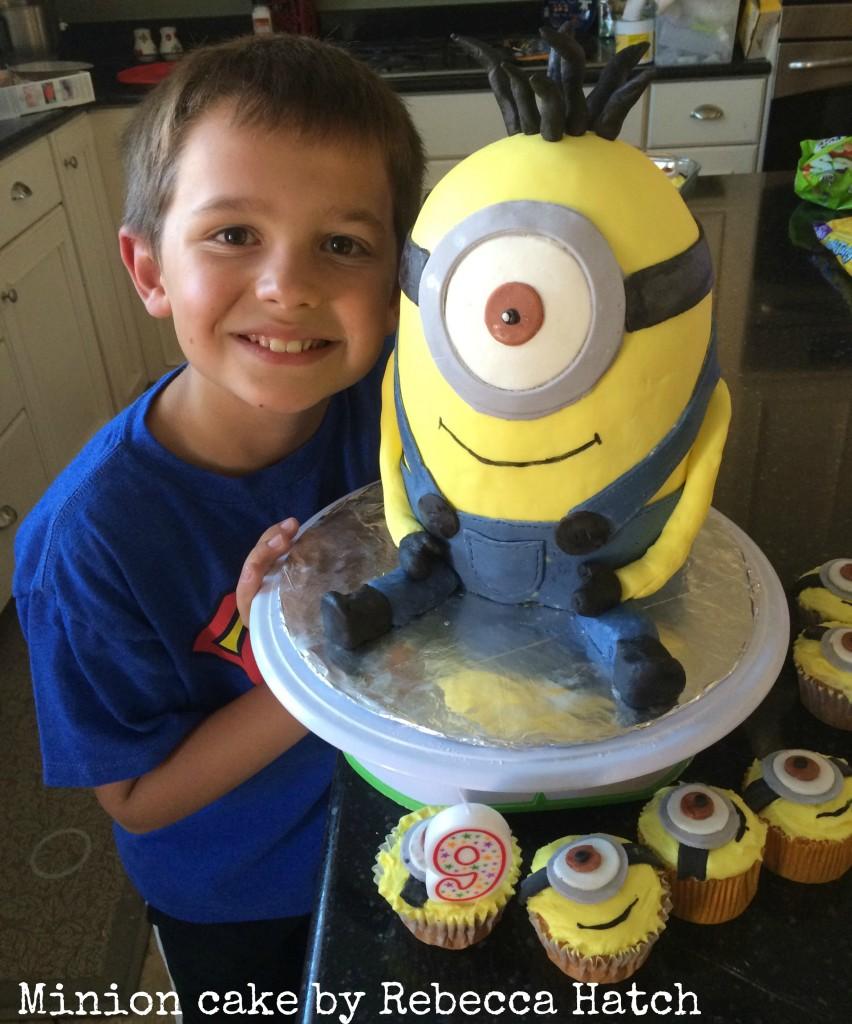 minion cake 1