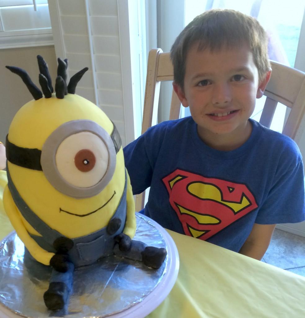 minion cake 2